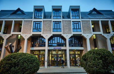 Photographie du Bâtiment Socrate de l'UCL.