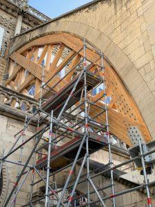 Détails sur les échafaudages intérieurs de la Cathédrale de Notre-Dame de Paris